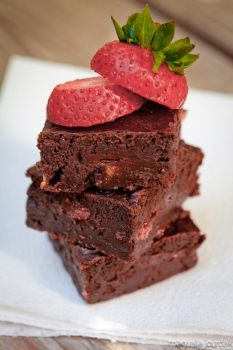 Strawberry Banana Brownies by linde-lazer