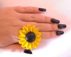 Sunflower ring by RoseOfTheFlames