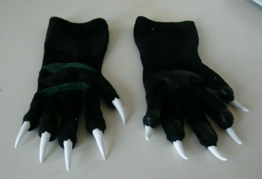 [Commission] Black Handpaws with green stripes by Menevoreth