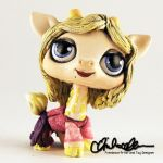 Sarah from Hocus Pocus custom LPS by thatg33kgirl