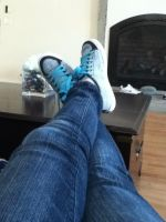 Look at my shoes :P by dontaskk