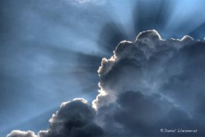 Cloudy sky with rays by dllavaneras