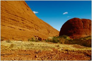 Colour contrasts at Kata Tjuta by wildplaces
