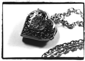 Heart Locket by KennaSeven
