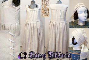 15th Century German Underdress by DaisyViktoria