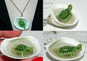 Tiny Turtle Jaccuzi Seashell Necklace by Secretvixen