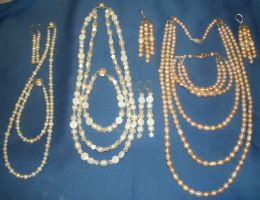 Pearls, Pearls, more Pearl set by DAnnsCreations
