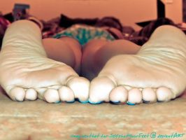 Good Position, Beautiful Soles by SelfshotYourFeet