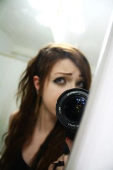 behind the lens by CrAzyHaRLoT6661