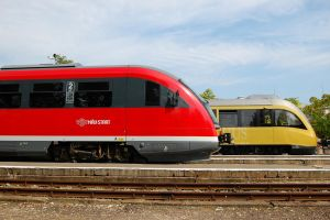Desiro and EN61 001 -Esztergom by morpheus880223