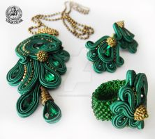 Green soutache set of pendant, earrings and ring by caricatalia