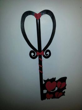 Broken Love Keyblade by Yugaraa