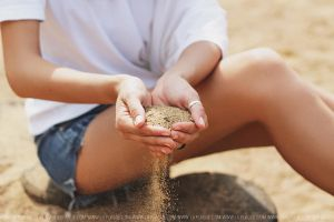 Sand time by Lilplague