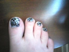 snake skin toes...attempt 1 by wittlecabbage