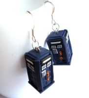 Tardis earrings by EldalinSkywalker