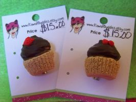 cupcake brooches by kawaiibuddies