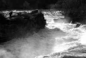 Black and white water by FallingClockwise