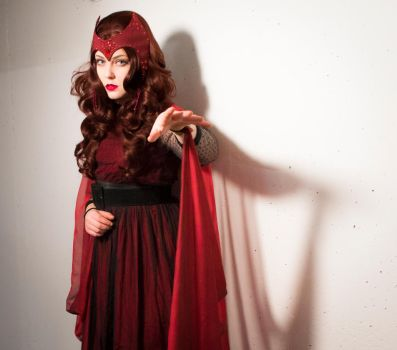 Scarlet Witch (Marvel) Cosplay by Mitternachto