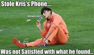 Tao_Stole Kris's Phone_MACRO by dancingdots