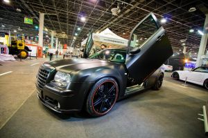 Chrysler 300C Side by miki3d