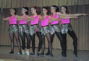 pantyhose dancers by pantyhosesniffer
