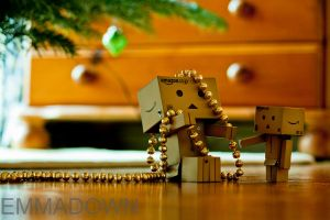 'Mumma, they're supposed go on the tree!' - Danbo by oEmmanuele