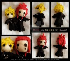 Axel and Roxas mini plushies by RetkiKosmos