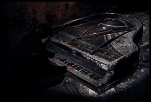 Grand Piano by Tsaven