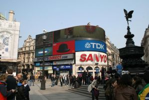 Piccadilly Circus, London by Rovis2