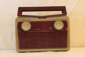 Old Radio 3 by Hjoranna
