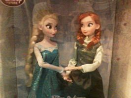 Frozen Dolls- Elsa and Anna (soon it to Christmas) by JackFrostOverland