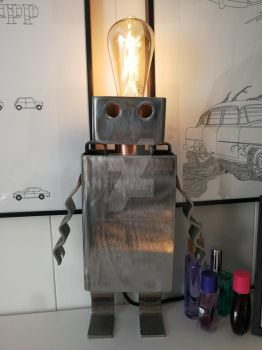 Robot lamp by TheSlowSlowpoke