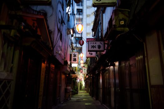 Tokyo Back Alley by burningmonk
