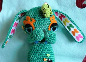 Sid the evil bunny omnipom - amigurumi alien by lizduttons