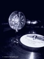 Gramophone:D by MashkaLord
