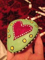 Heart painted on stone by bessyjay