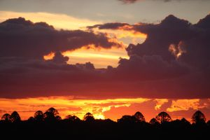 Sunset from Mt Mowbullan by tweedale23