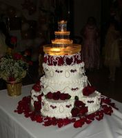 Wedding cake with Red Roses by blackrose69