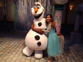 Olaf is satisfied by my snow ice power of kiss by Magic-Kristina-KW