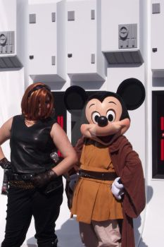 Mara Jade and Jedi Mickey, SWW 2010 by StageDoorGraphix