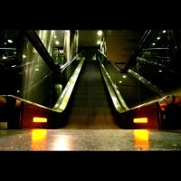 Subway stairs by vahu