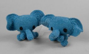 Amigurumi Elephants by SewDesuNe
