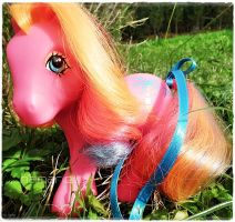 My Little Pony Pinha Colada by Snuzzle