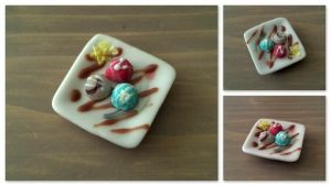 Miniature icecream plate by Sandien