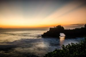 Sunset in Tanah Lot by fkendi