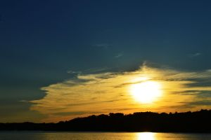 Ossawinnamakee Sunset by acidreamingss