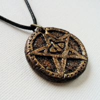 Elder Sign Pentacle Necklace by CthulhuJewellery