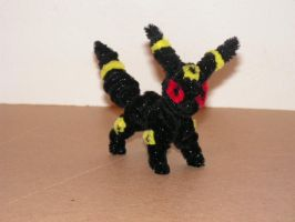 Umbreon by fuzzyfigureguy