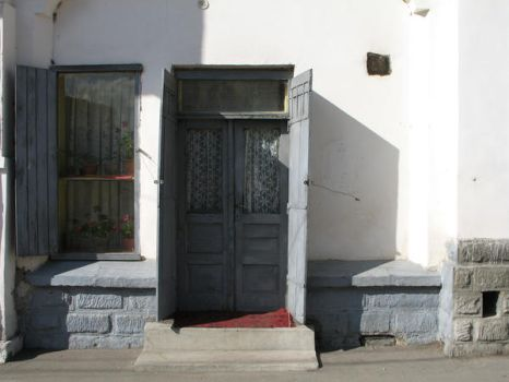old entrance in the city by morfeuscor