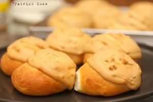 Peanut butter cookie bun 1 by patchow